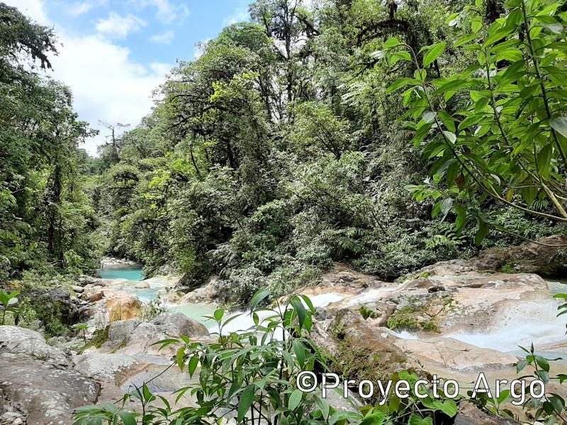 06. La ruta de las cascadas azules (Costa Rica)